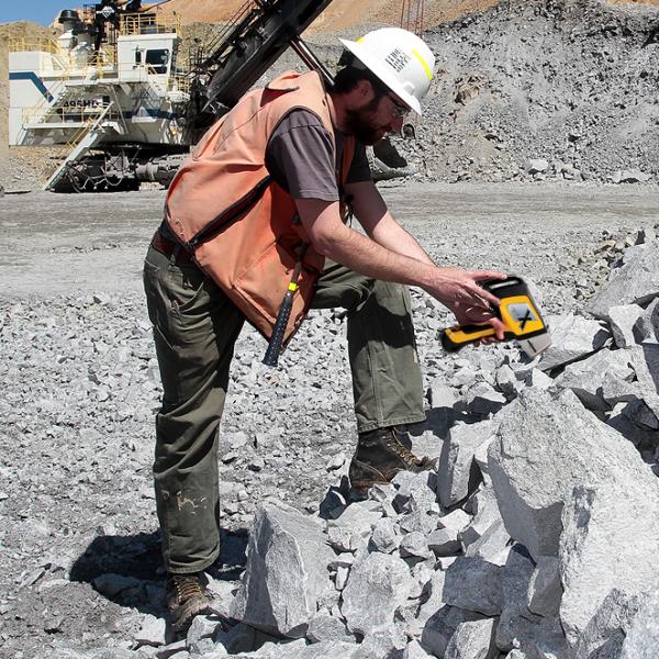 Olympus Delta Professional Геологоразведка анализ Руд